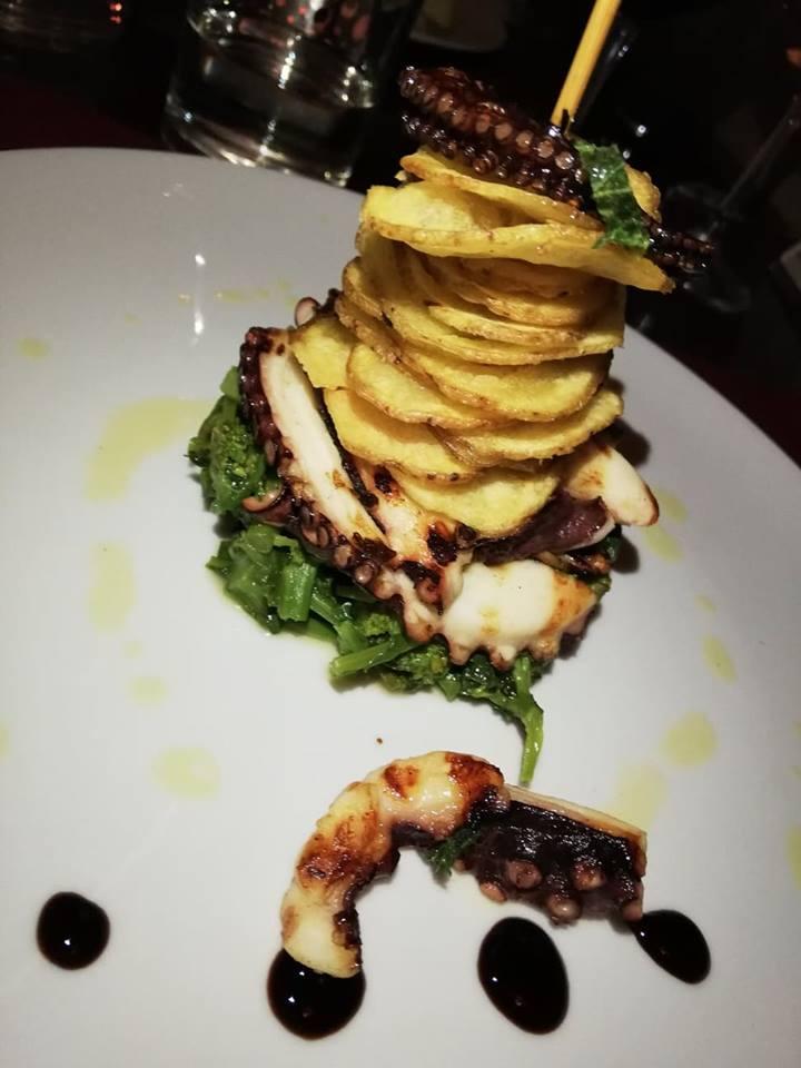 Raro- Polpo scottato con menta e patate fritte
