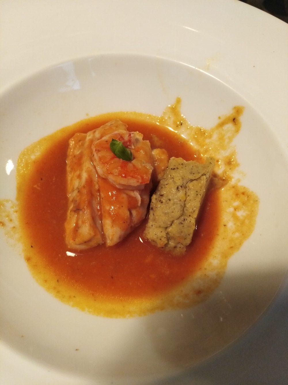 Taverna del Mozzo Zuppetta camerotana con cernia, gamberi e maracucciata