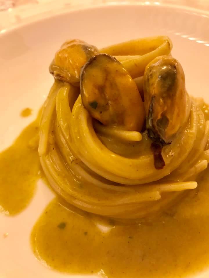 San Pietro Bistrot del mare. Spaghetti con cozze e anemoni
