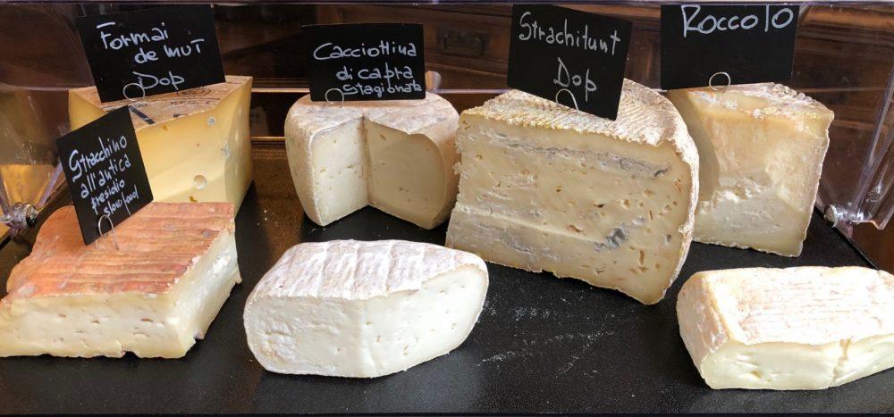 Cheese, formaggi vaccini e caprini