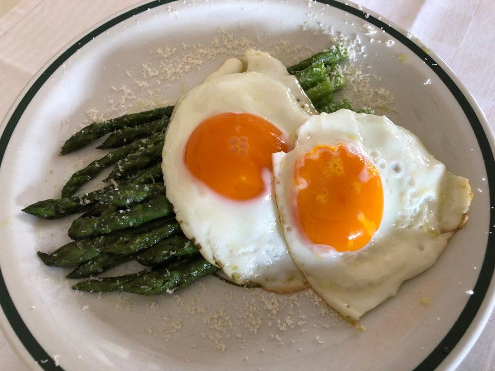 Uova e asparagi, collezione privata