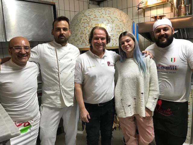 Antica Pizzeria Port'Alba - Gennaro Luciano e parte dello staff