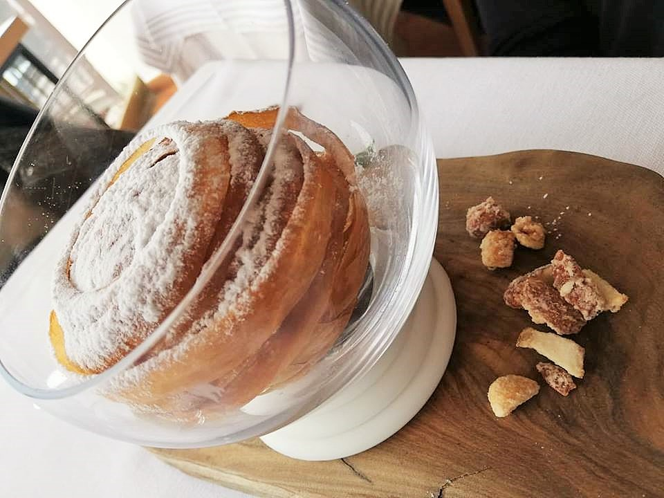 DA SALVATORE - Gabbia croccante con gelato al cioccolato e pralinato