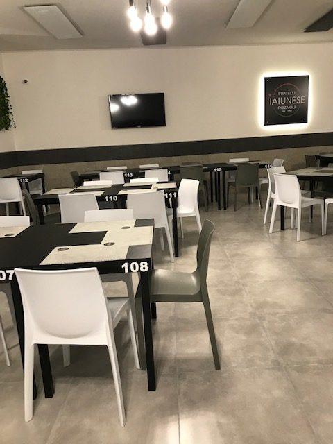 Fratelli Iaiunese Pizzeria dal 1998 - Sala piano superiore