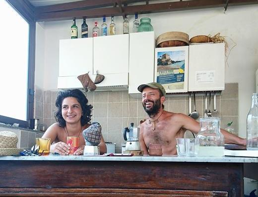 Giampietro Pinto e Senem Sonmez di Abitanti & ViaggiatoriErchie