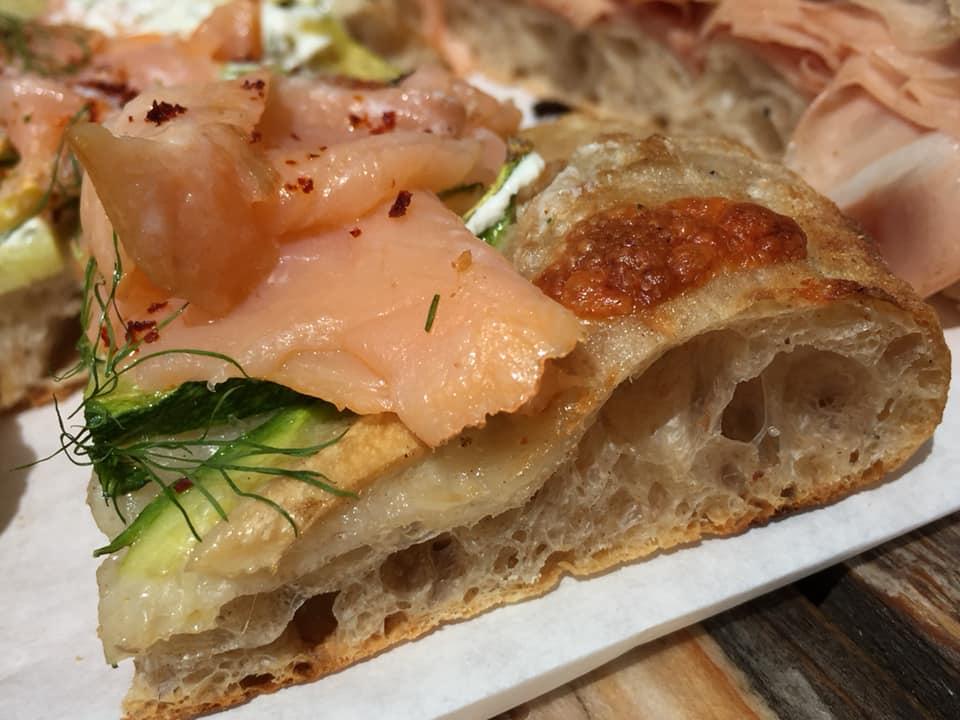 Lievito Pizza, Pane, pizza con il salmone