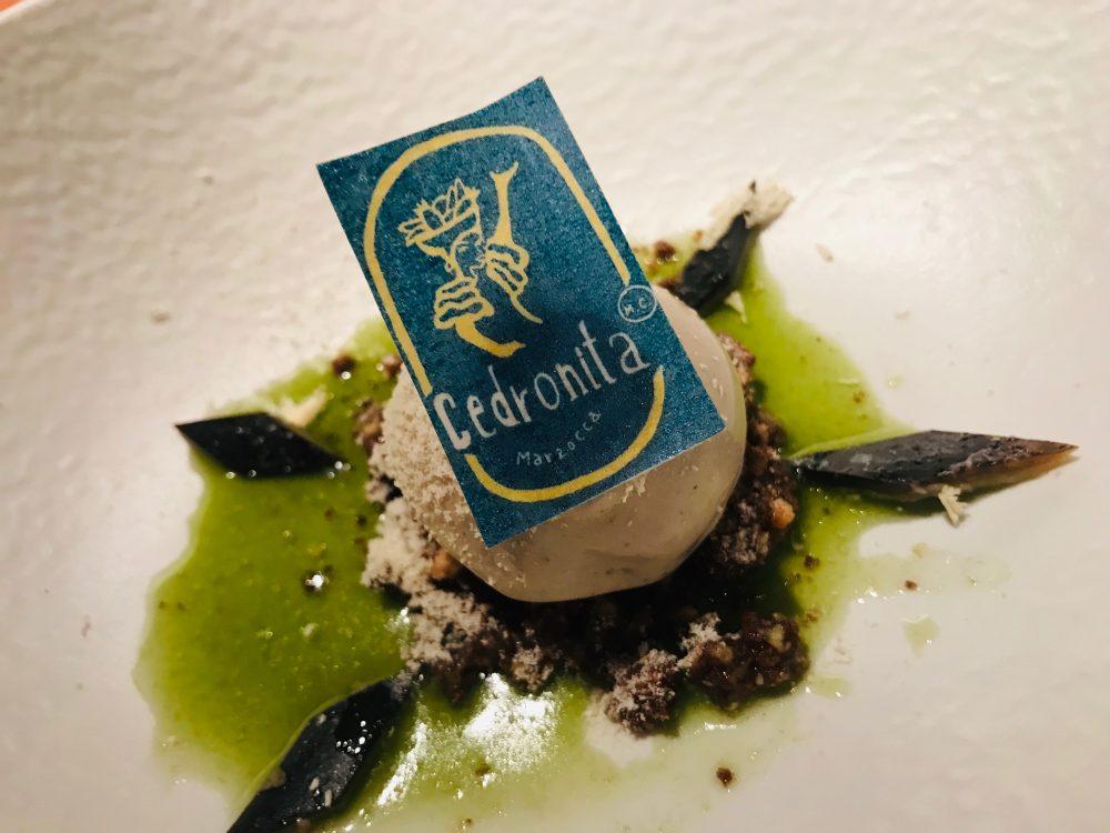 Moreno Cedroni - gelato alla buccia di banana fermentata, gianduia, nocciola, acetosella