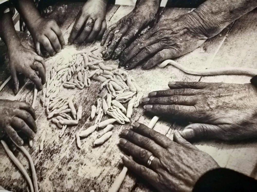Osteria Centouno - Una delle foto in sala