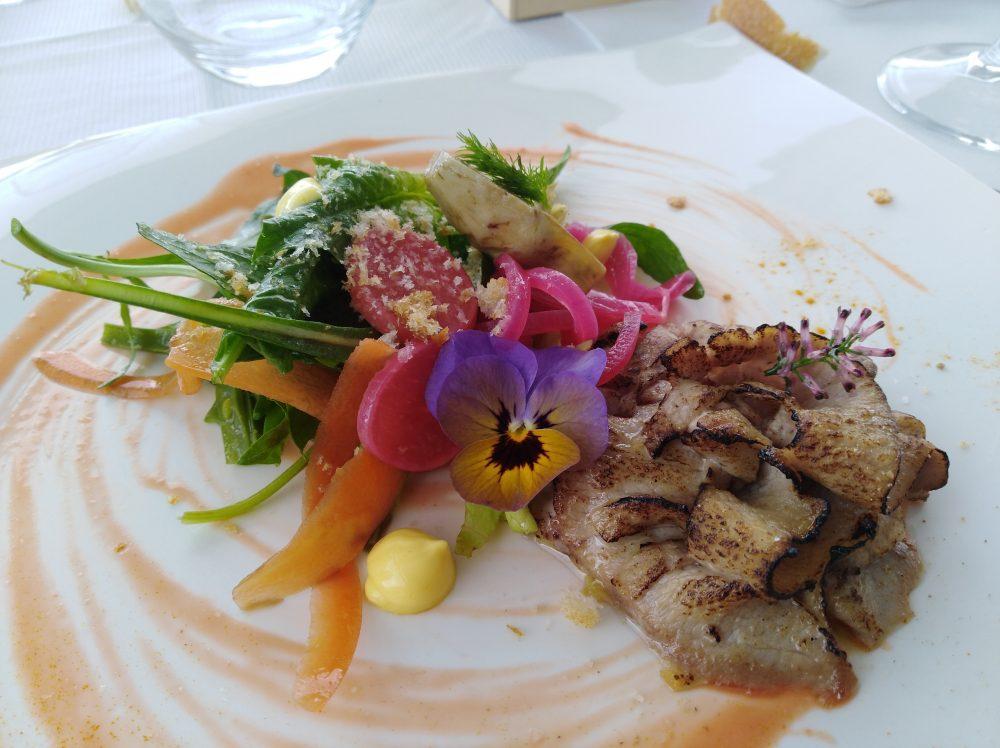 Ristorante Melchio' - Ventresca di tonno gartinata, insalatina di spinaci e maionese allo zafferano