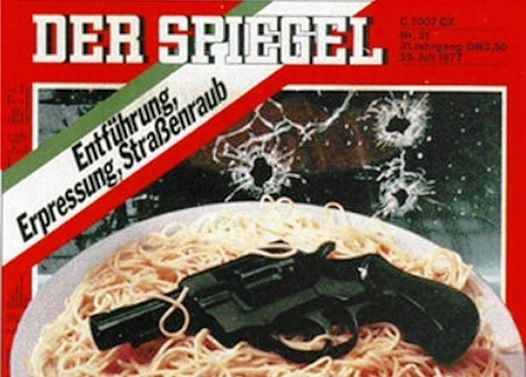 La famosa copertina di Der Spiegel con pistola e spaghetti