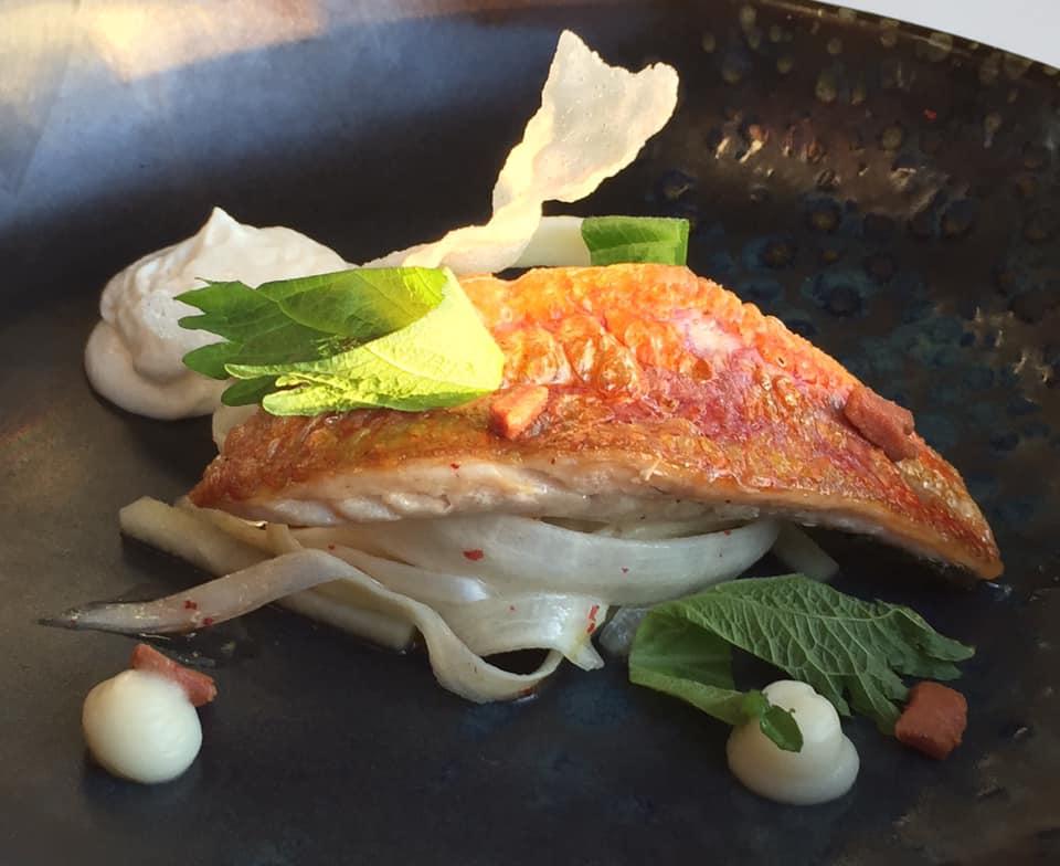 Mirabelle Restaurant, triglia, radici e asparago bianco