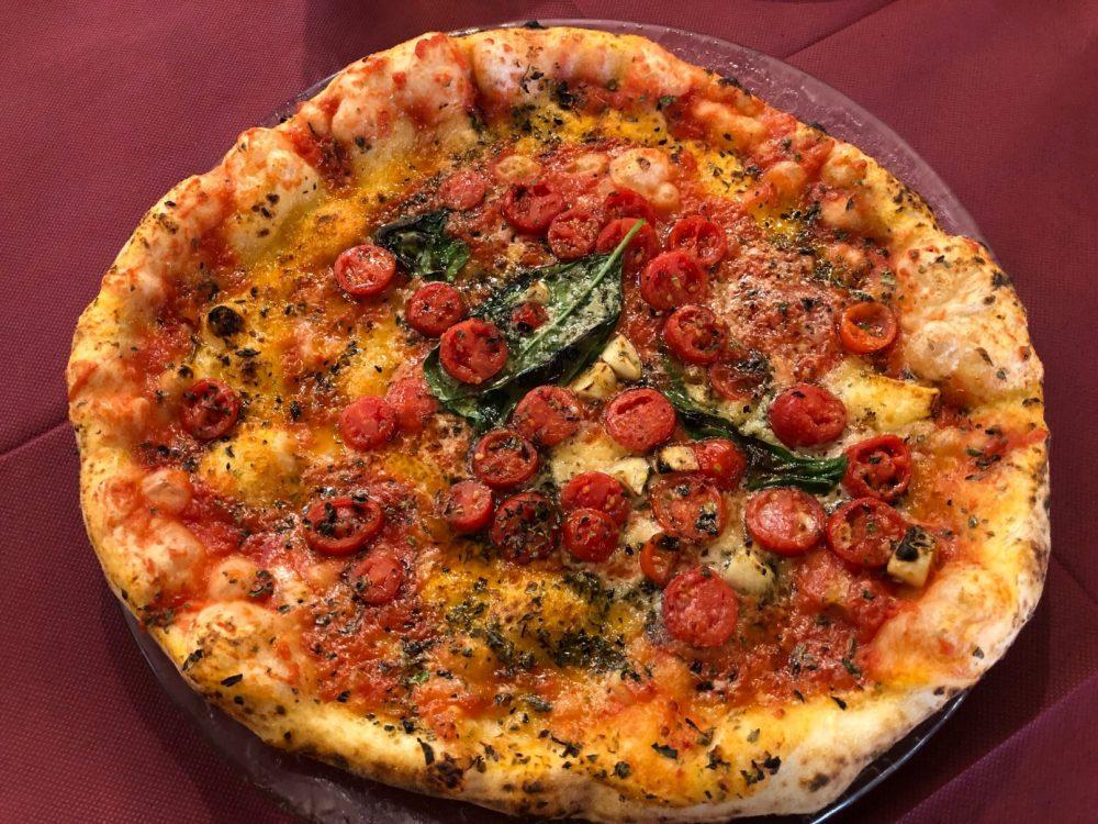 Starita - Marinara Starita, pomodoro, pomodoro datterino, aglio, origano, pepe, formaggio, basilico