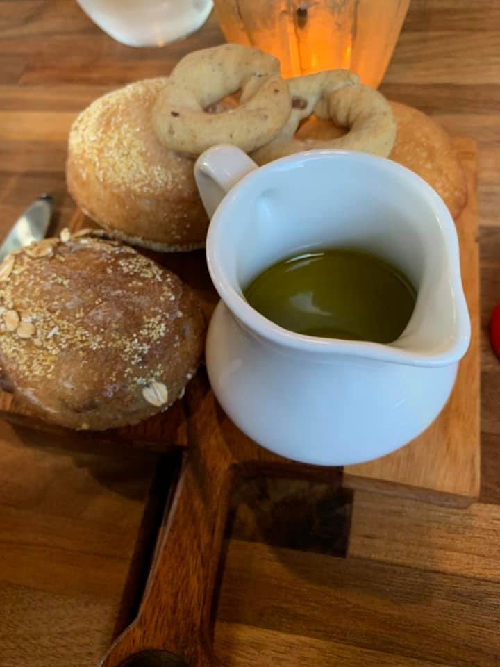 Strega, Pane e olio