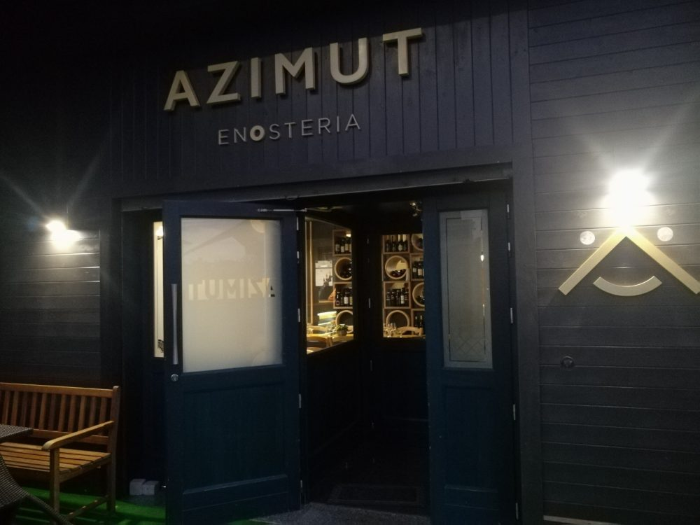 Azimut Enosteria, ingresso