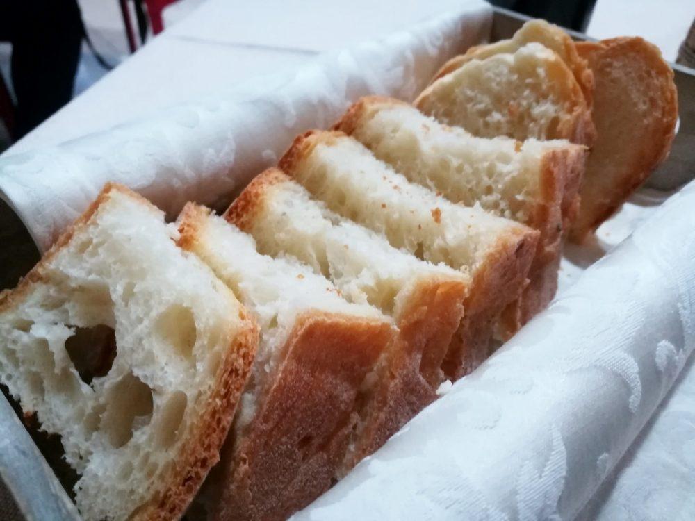 Braceria KmZero - il pane