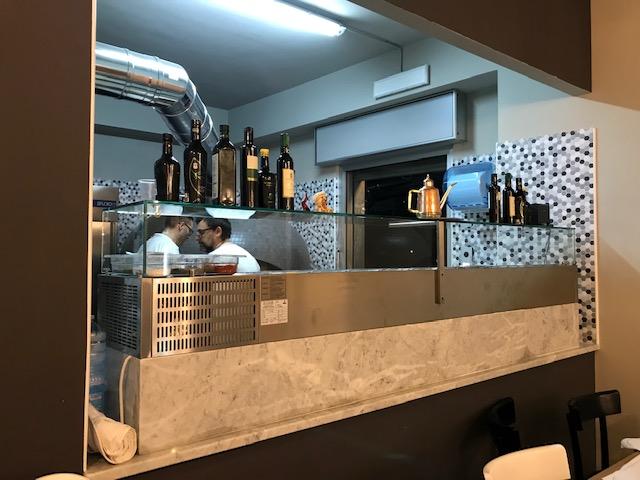 Pizzeria De Luxe - banco lavoro