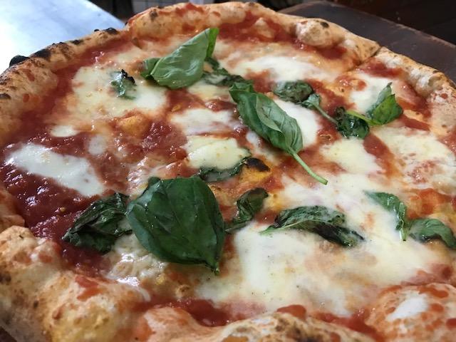 Pizzeria Napule' - Pizza Margherita