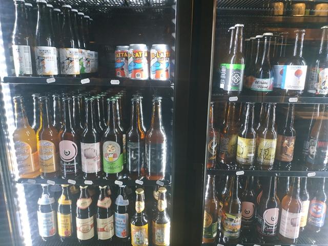 Pork'n'Roll La Bottega - una parte delle birre in bottiglia