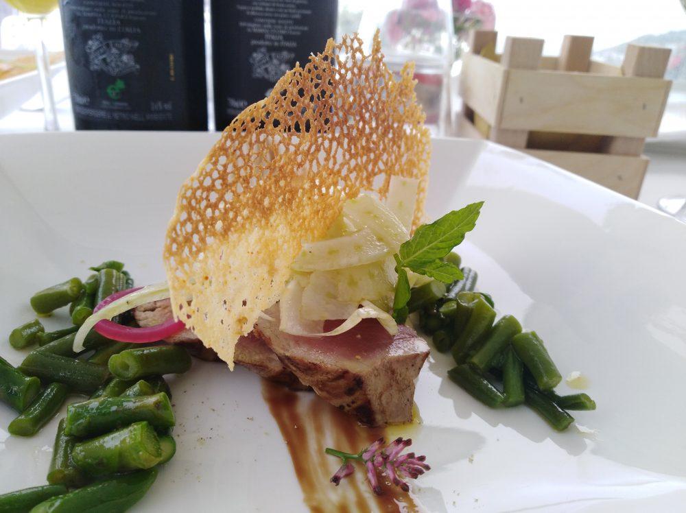 Ristorante Melchio' Tagliata di tonno, insalatina di finocchi, asparagi e fagiolini