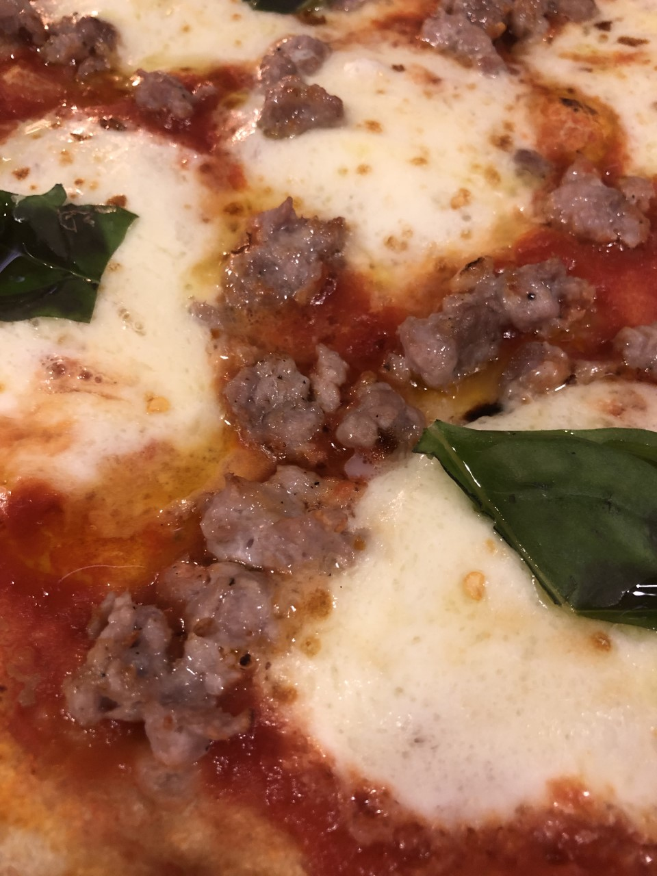Sine Cera Taberna - pizza con salsiccia di suino nero