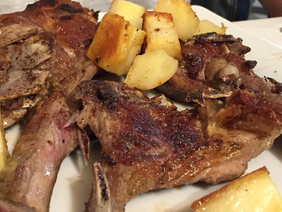 Taverna Cestia, abbacchio con patate