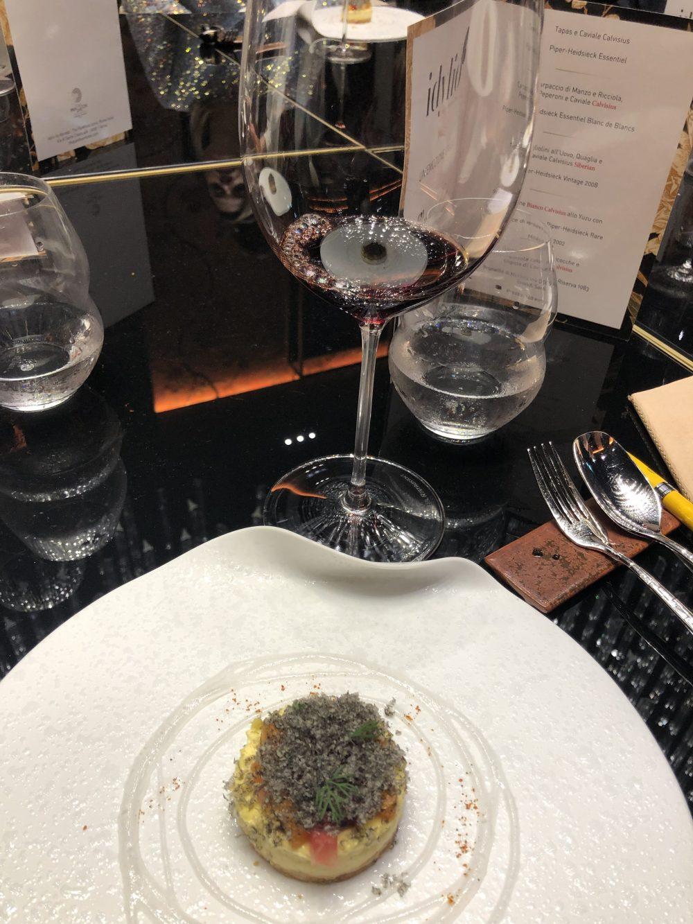 Gorgonzola cake, albicocche e lingotto di Caviale abbinato al Brunello di Montalcino DOCG Riserva 1983 Biondi Santi