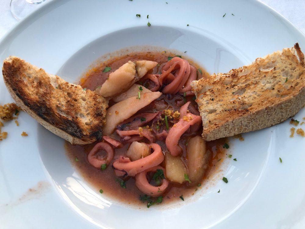 La Scogliera - La stuzzicante zuppetta di benvenuto gentilmente offerta