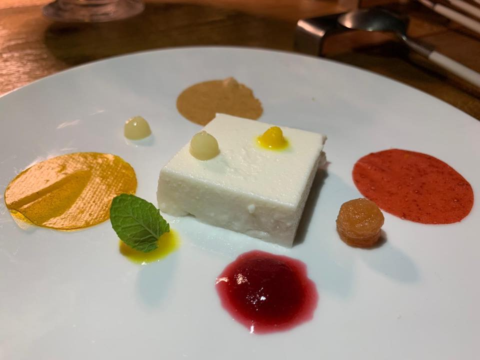 Ristorante Casamatta, Vinilia Wine Resort, pre dessert alla mandorla e frutta