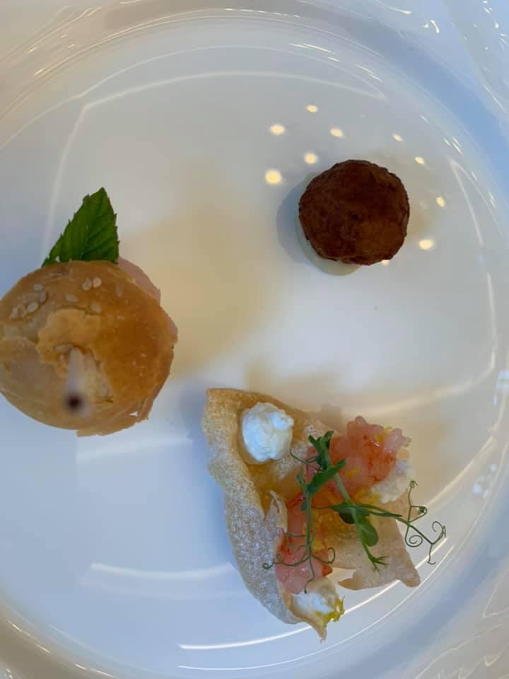Me Restaurant - Polpetta di totano, panino al tonno e chips di riso di sibari con gambero