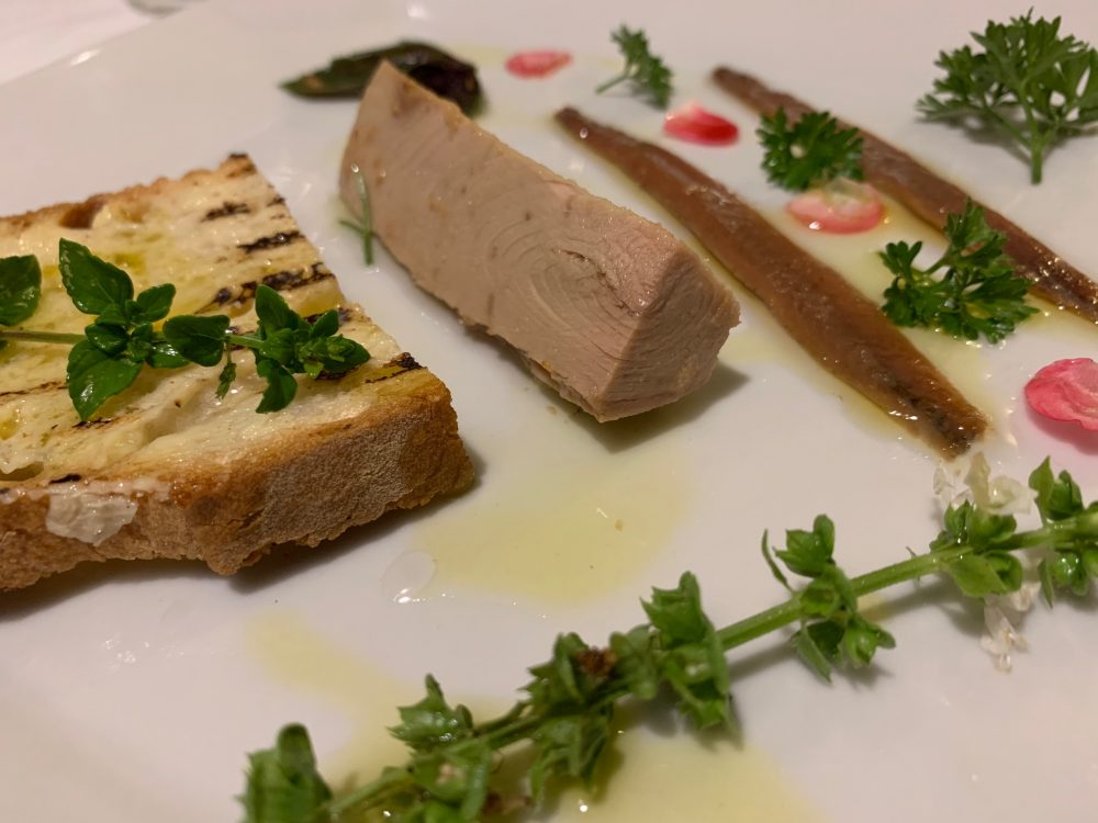 Il Ghiottone - tonno, alici e burro