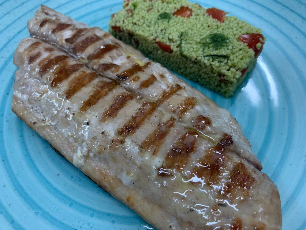 Suscettibile - trancio di pesce locale alla griglia con cous cous