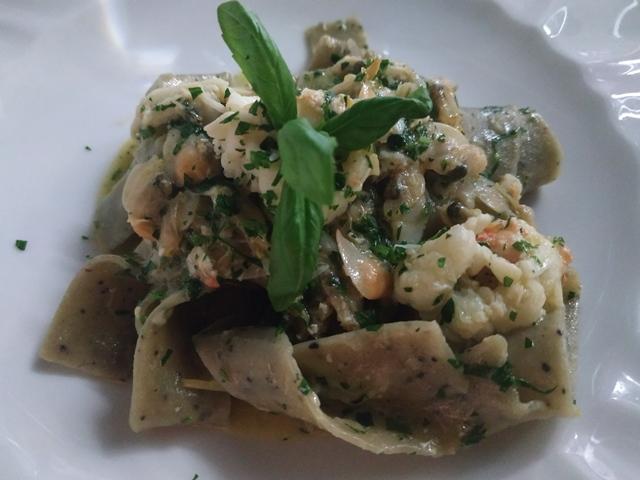 Aqua Lexus Fish Restaurant - Pappardelle ai mirtilli, telline e limone di Amalfi