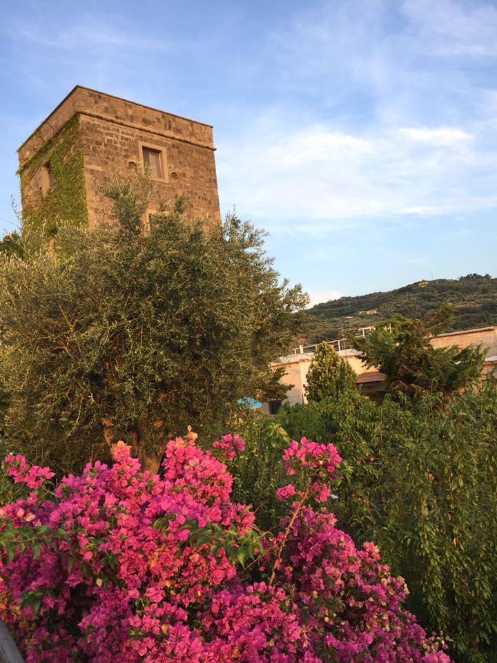 Massalubrense, la torre che da' il nome al ristorante