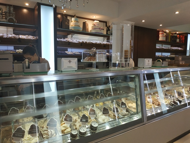 Pasticceria Quaranta - il bancone del gelato