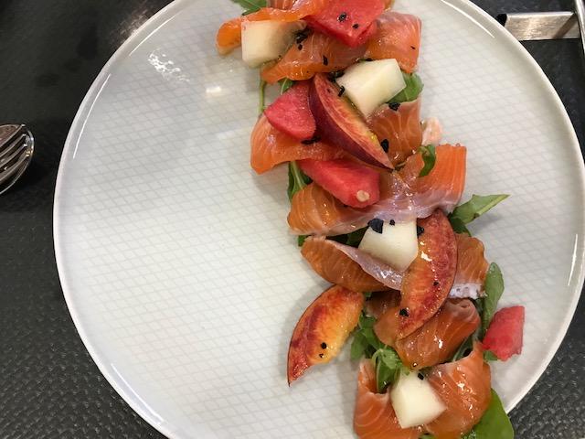 Radis Trattoria Moderna - Salmone marinato con frutta e verdura di stagione