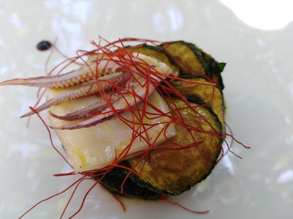 Ristorante Pancrazio di Palazzo Gentilcore Faro di zucchine e luce di calamaro con fili di peperoncino