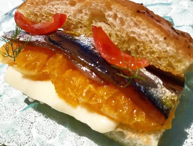 La Palette - Panino artigianale, sgombro marinato, arancia, aneto e pomodori
