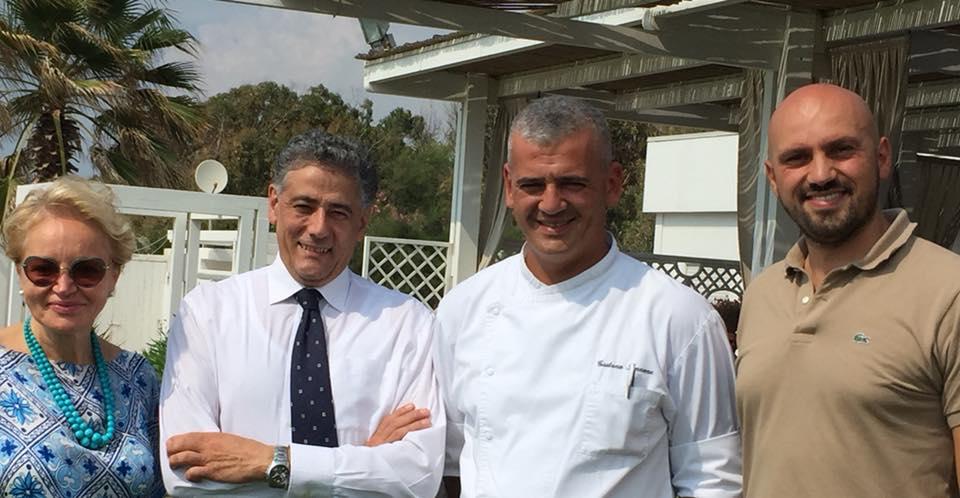 Antonietta Pagano con il figlio Angelo, il maitre Raffaele e lo chef Gaetano Iannone