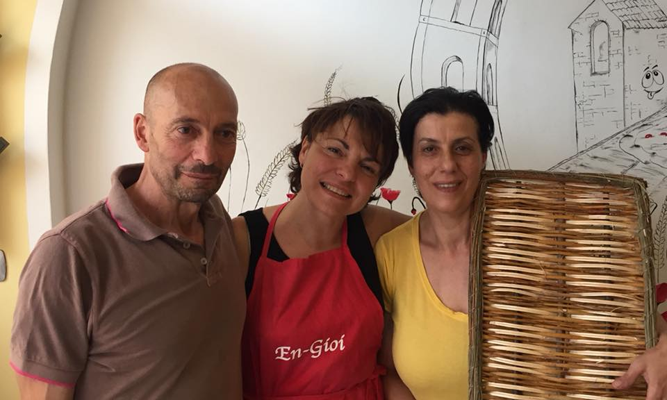 En Gioi, Agrilocanda cilentana, Elena Mazza con il marito Nicola e la cognata Silvana Di Matteo