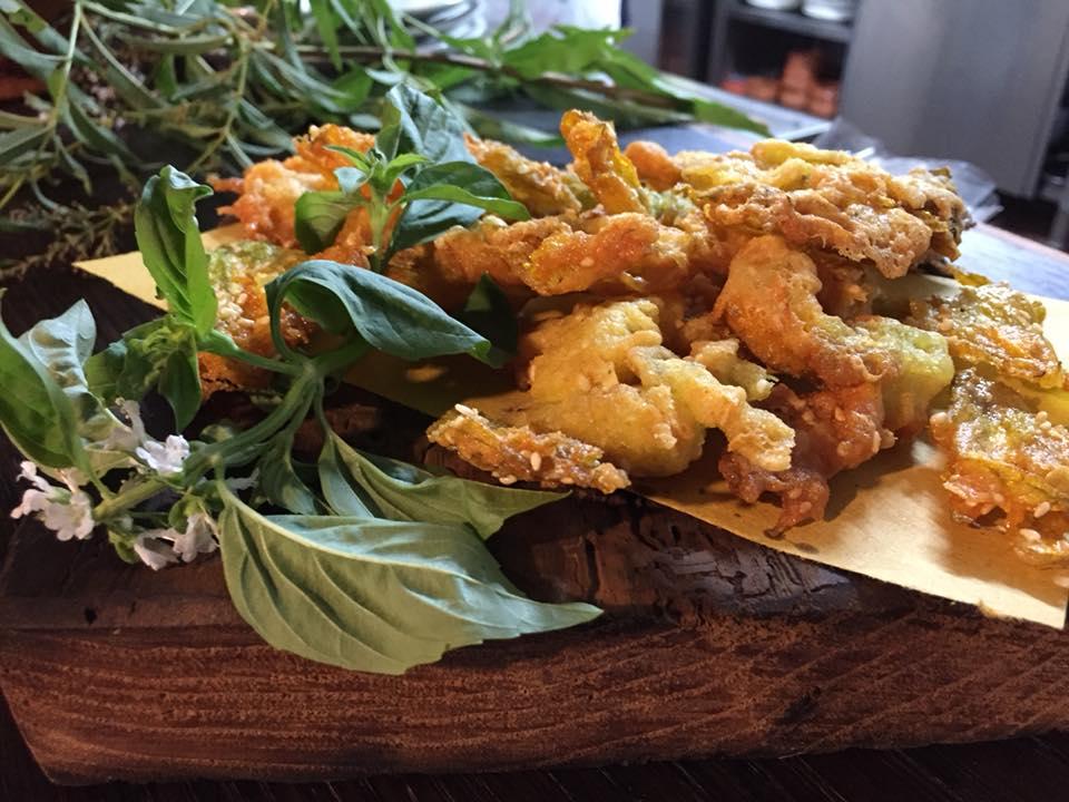 La Cantina a Gioi, fiori di zucca fritti al sesamo