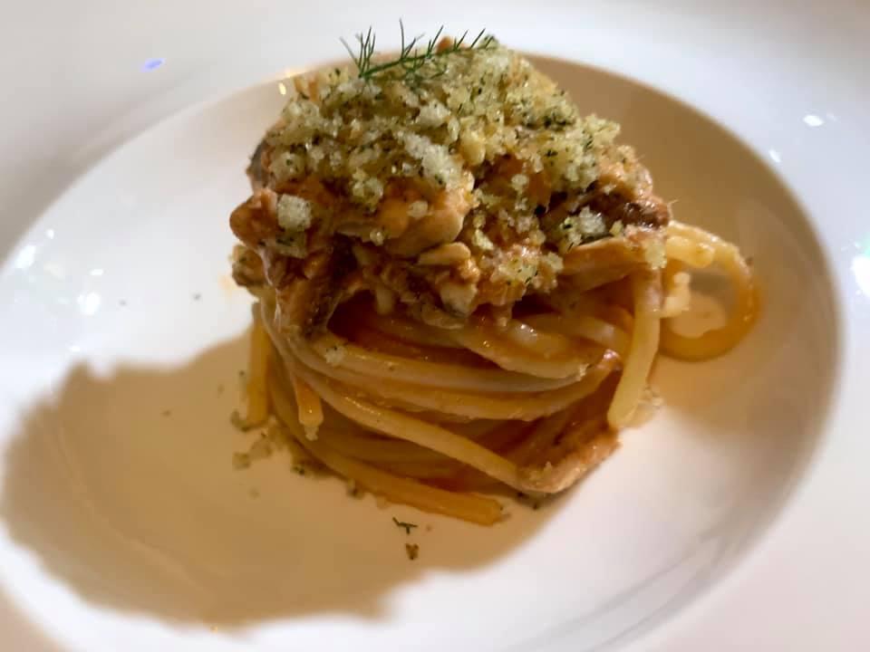 Aquadulcis spaghettone con alici di Pioppi, pecorio e mollica di pane al finocchietto