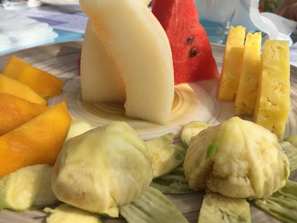 Oleandri Beach Club, la tagliata di frutta