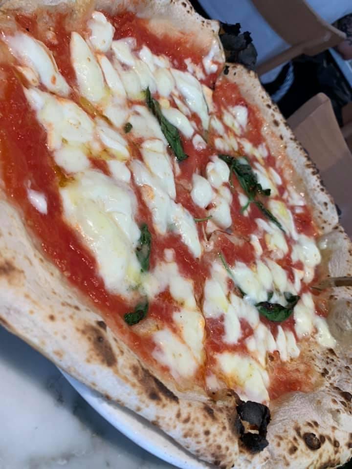 Pizzeria da Concettina ai Tre Santi - La Margherita