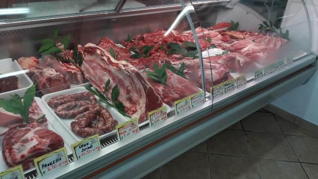 Alveti &Camusi - il bancone della carne