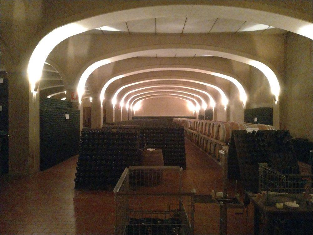 Cantina Colonnara - Ingresso dell'imponente cantina