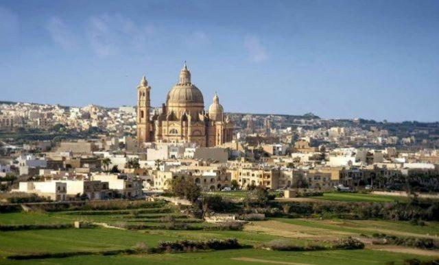 La chiesa di Xeuchia la più imponente di Gozo