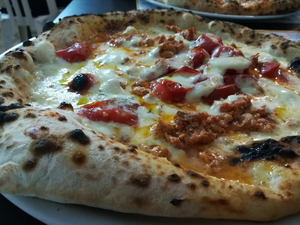 Pizzeria Napul'e' - La Salsiccia Rossa di Castelpoto fresca