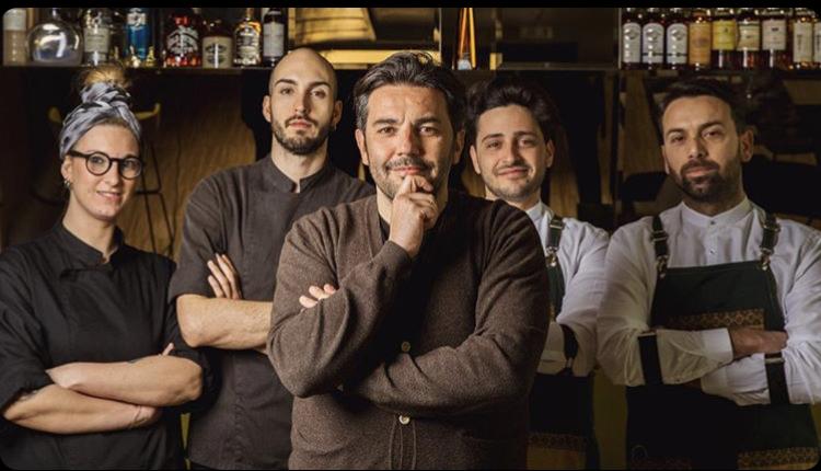 Radici Clandestine - Tommaso Russo, Giovanni Bologna, Manuel Falconi e parte dello staff