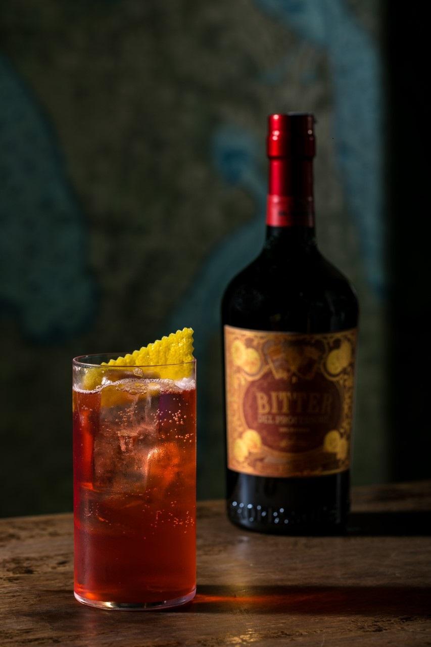 Drink Cherry Bomb della crew del Jerry Thomas Speakeasy di Roma