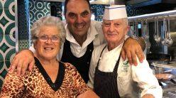 Lo Stuzzichino, Mimmo con i genitori, Paolo e Filomena